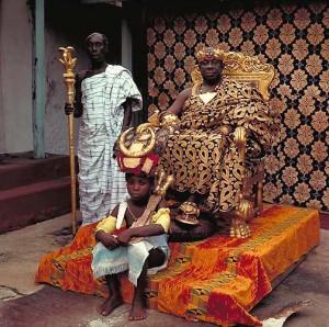 Вождь (оманхене) одного из племен, с мальчиком олицетворяющим его душу.