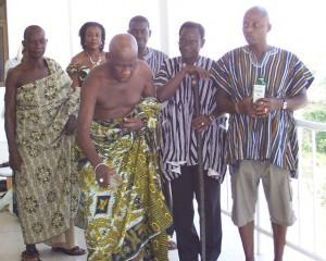 Старейшины народа аквапим, приносящие жертву Ассасе Яа (Матери-земле).