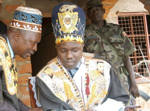 Rwoth Phillip Rauni Olarker - король алур в Уганде, вступивший на престол в 2010.
