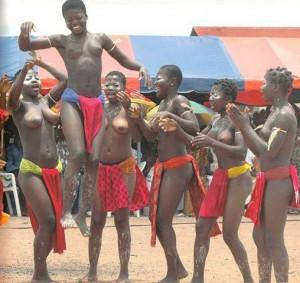 Танец на фестивале Аньи Окоджо.