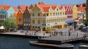 Город Вилемстад на острове Кюрасао.