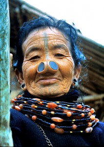 Женщина апатани.