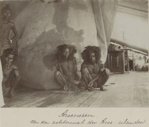 Жители восточного побережья острова Ару, сфотографированы в конце 1899 г.