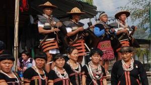 Музыканты в традиционных костюмах.