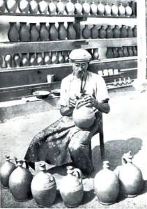 Роспись народной керамики.